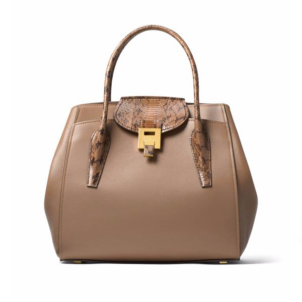 現在女星們都在背的新包